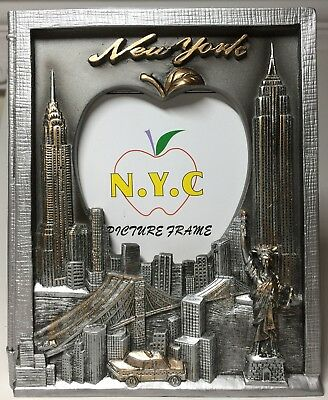 NO SHIPPING UNTIL 8/24/18     New York Souvenir Picture Frame - New York Skyline