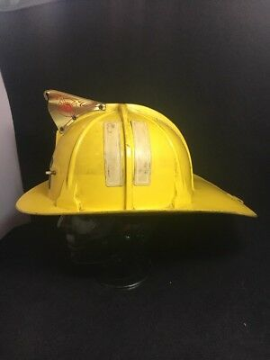 HTF Vintage 1960s 1969 1970s Cairns Yellow Fire Dept Fighter Fireman  Helmet 880