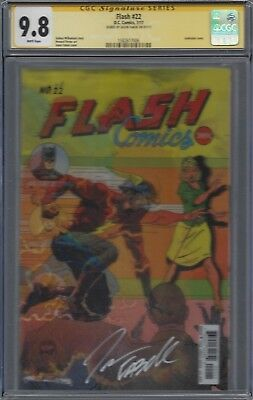 Flash #22 Lenticular variant__CGC 9.8 SS__Signed by cover artist Jason Fabok