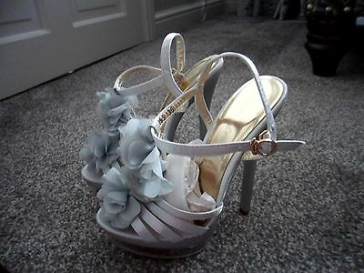 ASOS - STUNNING Sliver Grey Ruffle front strappy heel sandal size 2.5  new