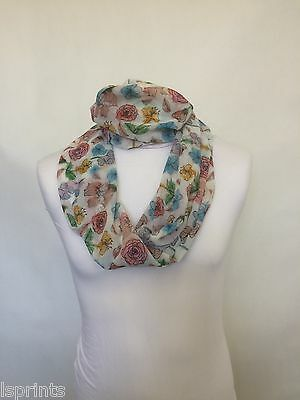 One Size #1A255 Saffron /& Company Pewter Grey Floral Scarf