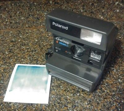 Vintage Polaroid One Step Close Up Instant 600 Flash Camera FILM Tested