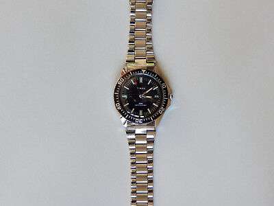 Vintage 1984 Timex. Gent's Diver-style. Stainless band/base metal case. Serviced