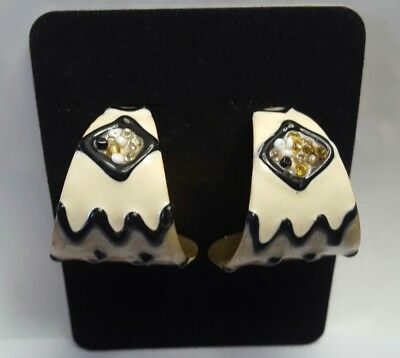 Vintage Round Concave Black Cream Gold Swirl Enamel With Beads Pieced Earrings