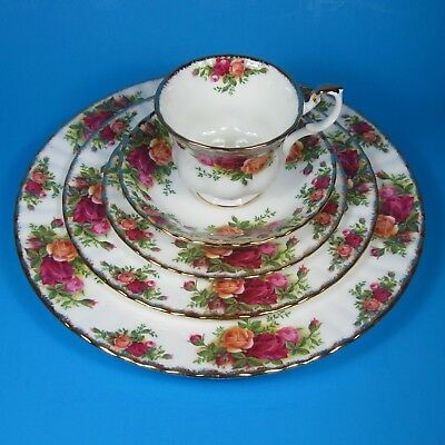 Royal Albert OLD COUNTRY ROSES 5-Piece Place Setting (s) England Bone China