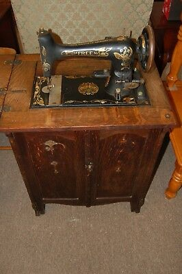 Vintage Antique  Free No.5 Sewing Machine in Oak Cabinet from an Estate