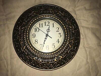 USED Wall Clock, battery operated