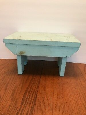 OLD VTG ANTIQUE WOODEN HANDMADE PRIMITIVE FOOT STAND STOOL Amish