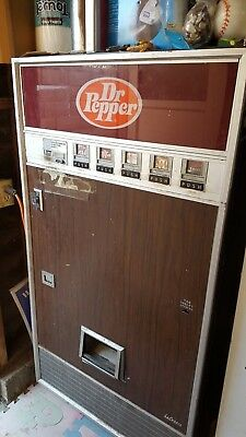 Dr Pepper La Crosse vending machine  Vintage