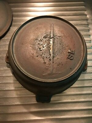 Antique 8 Cast Iron Dutch Oven With Gate Mark