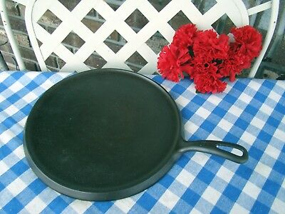 Griswold Cast Iron #9 Small Logo Handle Griddle - #609 – Cleaned and Seasoned