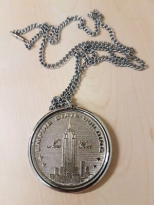 Medaille silberfarbig Empire State Building New York an Kette - 1972 - PAT. PEG