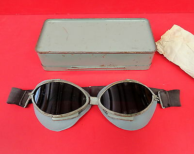 Army British Tanker Goggles W/spare Lens And Carrying Case