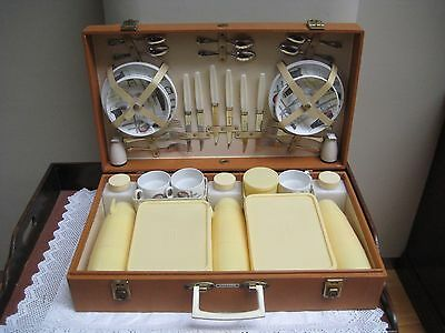 Vintage Orange Brexton Picnic Hamper For 6 Persons With Fiesta China