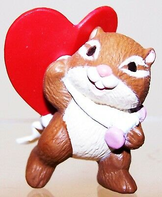 1994 NEW Hallmark Valentine Merry Miniature CHIPMUNK w/KITE Never Used QSM8003