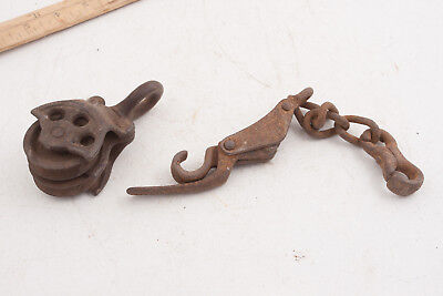 Small Cast Iron Double Wheel Block & Tackle Pulley w/Chain Linkage Piece (D5L)