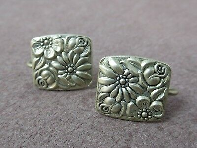 Pair Vintage Contessina Sterling Silver Screw Earrings Floral Design 9.2 G