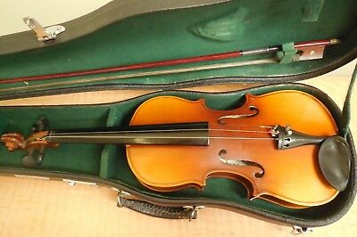 Skylark  Student  Violin  With  Bow  And  Hard  Carrying  Case
