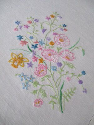 """VINTAGE TABLECLOTH-SPRING FLOWERS-LINEN-HAND EMBROIDERED-42""""sq."""