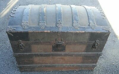 Antique Domed Top STEAMER TRUNK with Tray CHICAGO Manufacturer