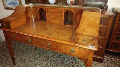 Superb Carlton House  Desk