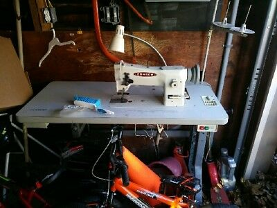 Consew 206RB-5 Mechanical Sewing Machine with Table in great shape