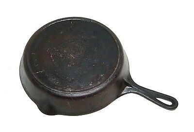 Griswold #8 Cast Iron Skillet - Large Slant Logo - Heat Ring - 704?