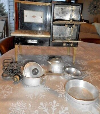 Vintage Empire Stove Salesman Sample Toy Small Miniature 14.5 x 15 Inches pans