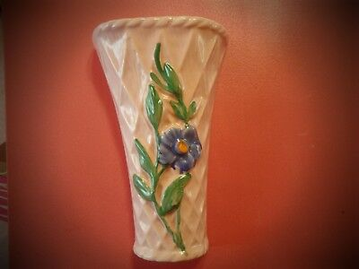 Vintage Wall Pocket Vase Pink w/Blue Flowers Excellent condition