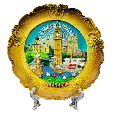 Decorative Plate Iconic London Skyline 20cm Diameter Souvenir Plaque Gift Box