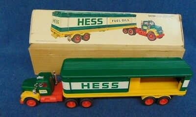 1975/1976 Amerada Hess Truck & Box No Barrels As Is Shown Works!
