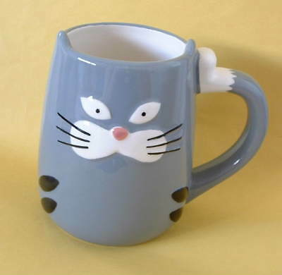 New Tag Hand Painted Ceramic 3 D Gray Tabby Cat Kitten 14oz Mug Tail Handle