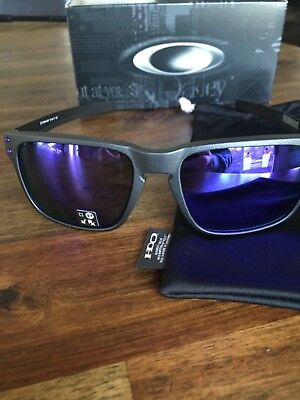"Oakley ""Holbrook Mix"" Steel/ violet IridiumNEW IN BOX NO RESERVE"