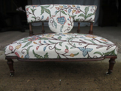 Stylish Victorian Walnut Upholstered Window Settee (499)