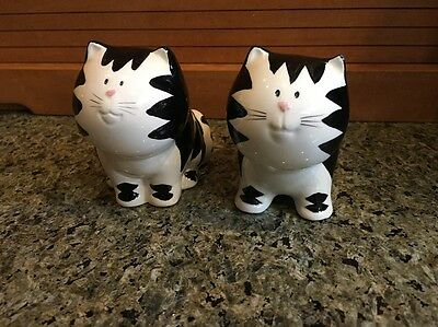 Cat Salt and Pepper Shakers - Russ Berrie - Ceramic - Black & White