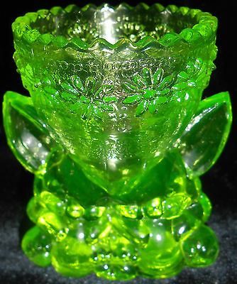 Green Vaseline uranium glass Bunny Rabbit toothpick holder easter egg cup flower