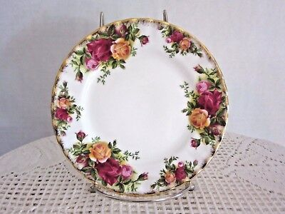 Royal Albert Old Country Roses Bread and Butter Plate 1962 6 1/4""