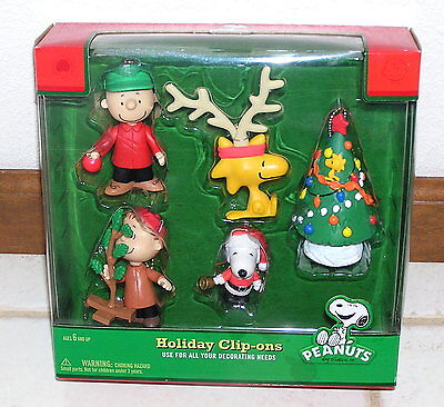 Peanuts Snoopy Holiday Christmas Clip-ons set of 5 for backpack, purse, etc