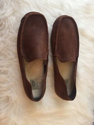 UGG Men's Moccasin Slippers Brown  New Without BOX Size 11. EUC