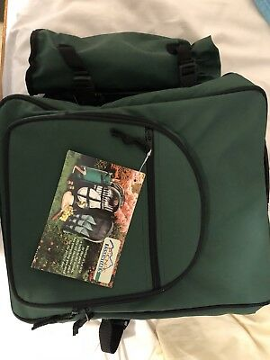 PICNIC Backpack For 4 - with Detachable/Insulated Wine Bag in Green