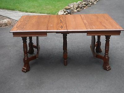 Claw Foot Table with 2 Leaves