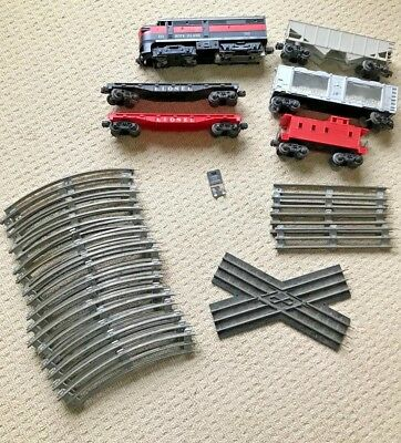 RARE Vintage Lionel Train Set (LOT OF 28 PIECES) Engine Plus, 5 Cars and Track