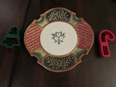 Fritz & Floyd Santa Cookie Plate 2 Free Cookie Cutters  Christmas Court Plate