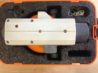 Leica NA 820 Site Levelling Tool Free Postage