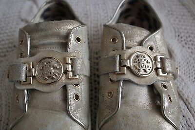 Girls Roberto Cavalli distressed gold leather shoes size 28 wide fit