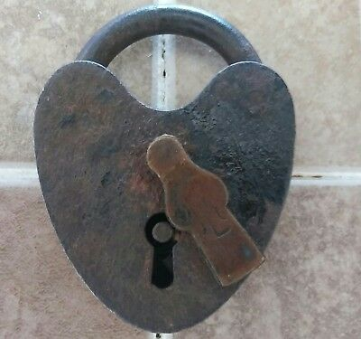 Antique Heart Shaped Padlock Lock Hand Hammered Construction Treasure chest padl