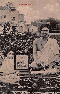 POSTCARD    INDIA    ETHNIC   A   Brahmin  Priest