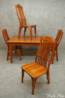 Amish Made in USA Shaker Farmhouse Table and 4 Steam Bent Chairs Solid Cherry