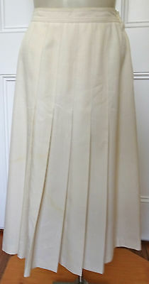 Sportscraft classic vintage cream pleated linen-look skirt size 8  (US 4)