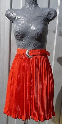 Genuine Vintage Red Pleated Skirt with Black Edges - Elegant - Size 8 / 10